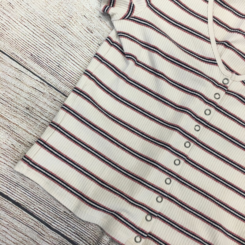AE Top, striped. Size medium in great condition!