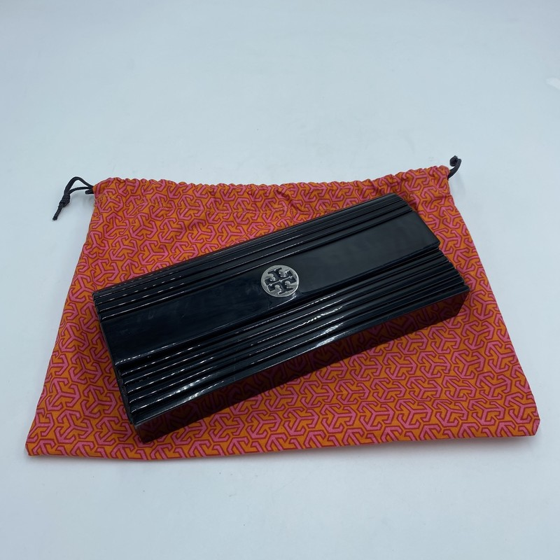 "Tory Burch Patent Snap Clutc<br /> Color:  Black<br /> Size: 10"" W, 4"" H"