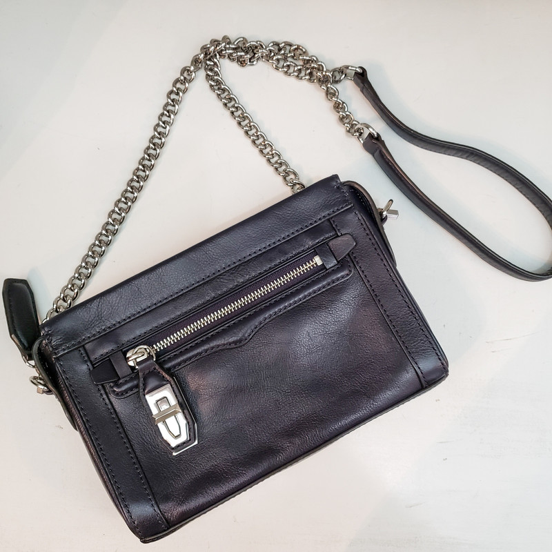 Rebecca Minkoff<br /> Navy Crossbody<br /> w/chain Strap and Dust Bag<br /> Original Retail $248