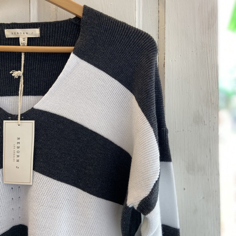 NWT Gry Striped Sweater<br /> Gry/Wht<br /> Size: Medium
