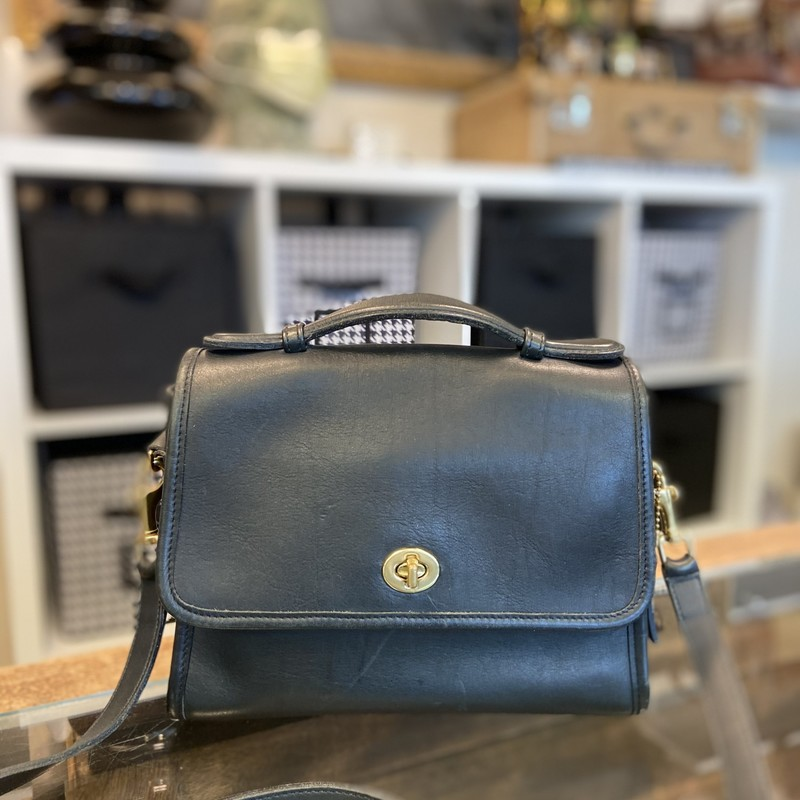 Classic Leather Purse<br /> Black<br /> Size: Ret $250