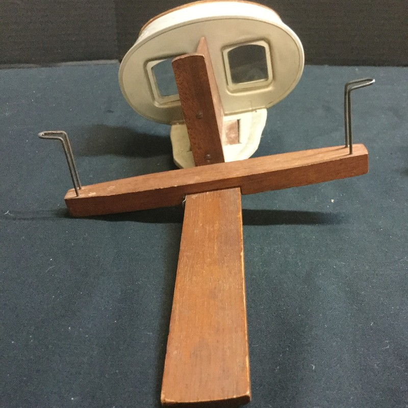 Stereoscope Viewer with 22 cards
