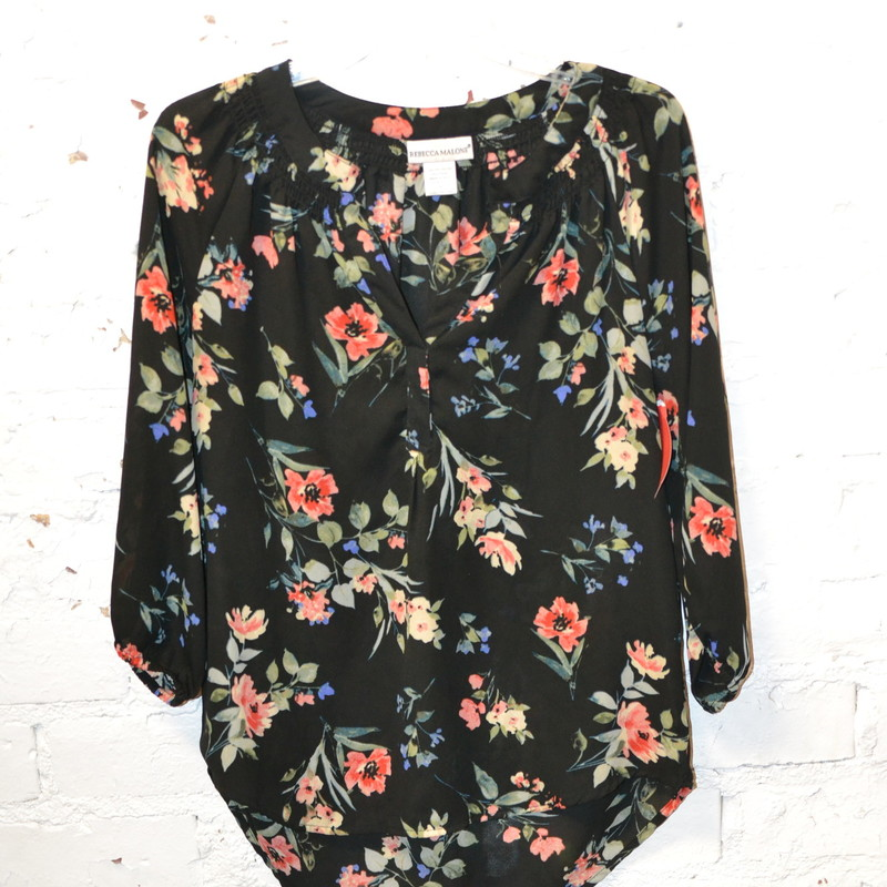-Rebecca Malone<br /> -Size small<br /> -3/4 sleeved<br /> -Black with floral design
