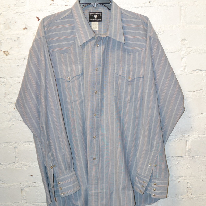 -Size XL/XXL<br /> -Blue with white and red stripes<br /> -Pearl snap<br /> -Has pockets