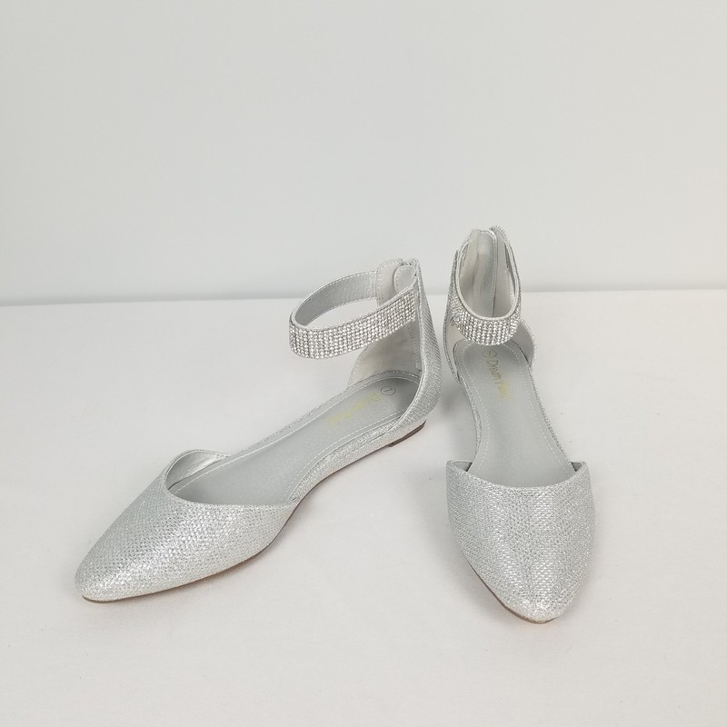 Dream Pairs Wedge, Silver, Size: 7<br /> Never Worn