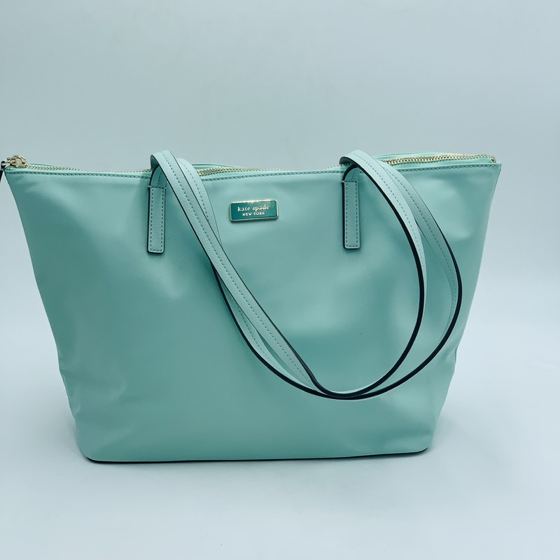 "Kate Spade Hayden Tote, Mint, Size: OS<br /> <br /> condition: EXCELLENT. Like new.<br /> <br /> 9""h x 11.5""w x 5""d<br /> drop length: 10""<br /> <br /> estimated retail: $248"