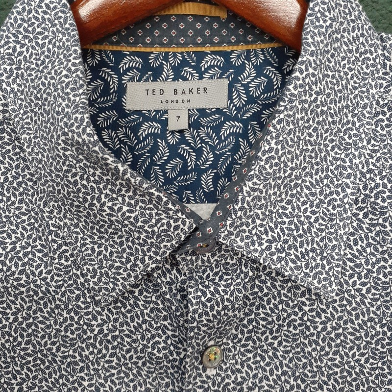 ** Ted Baker **<br /> Color: White Navy Print<br /> Size: Large<br /> Condition: Excellent