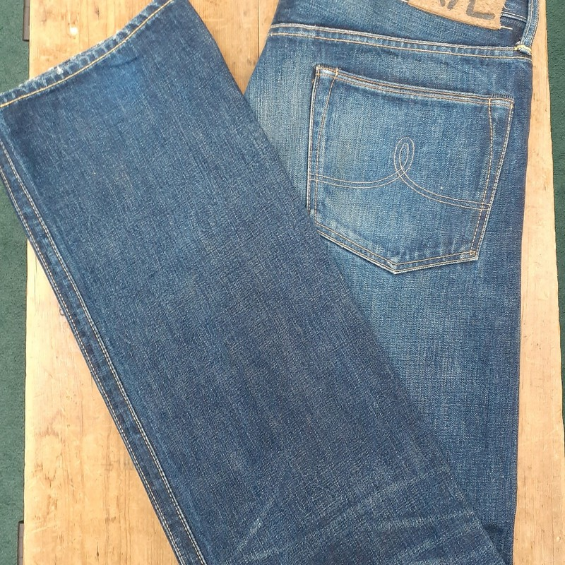 ** Double RL ** w/ button fly<br /> Color: Denim<br /> Size: 36W 34L<br /> Condition: Excellent