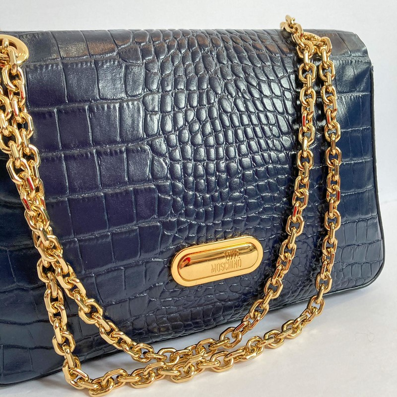 Love Moschino<br /> Navy with Adjustable Gold Chain<br /> Purse