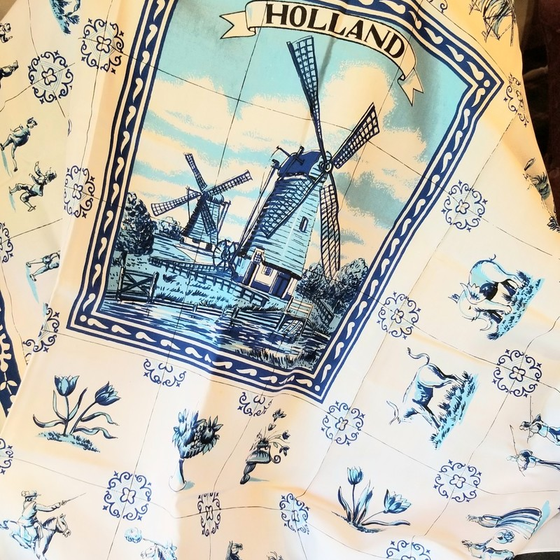 "Dutch Square  Blue & White Table Cloth 51""51"""