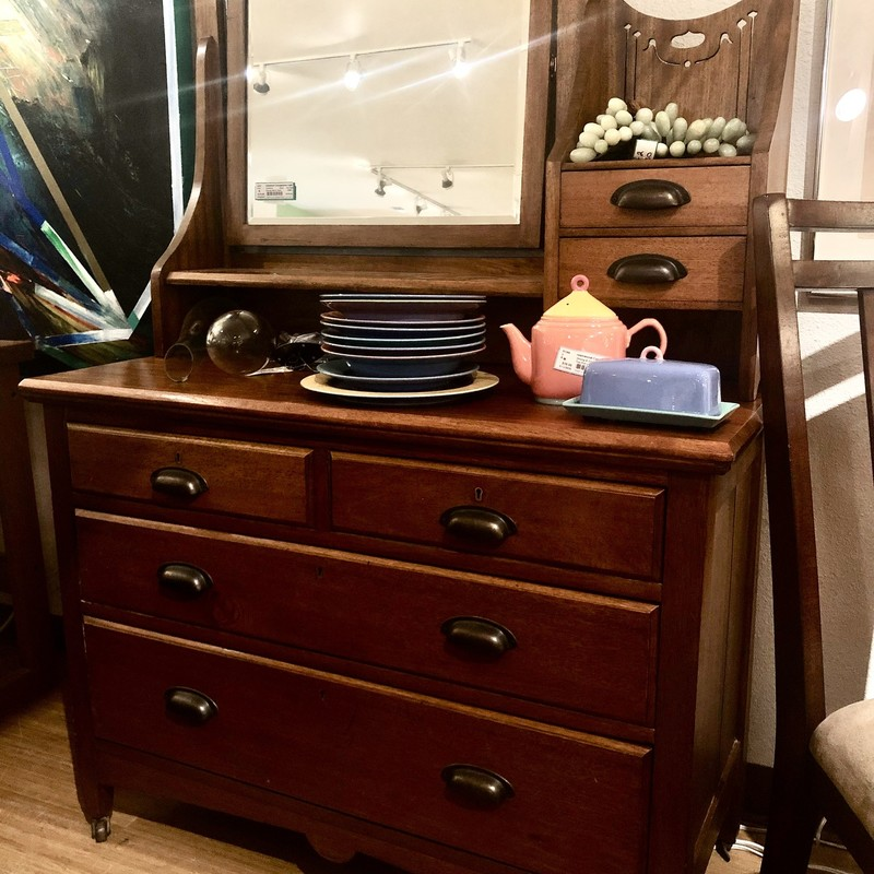 Dresser With Mirror  Size: 42x19x62
