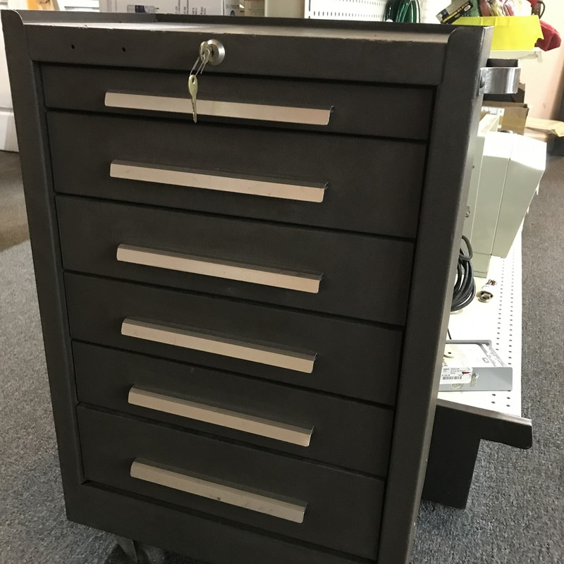 "Tool Box, Kennedy<br /> <br /> 6 drawer  - 20.5"" wide x 13.5"" deep x 28.5"" high<br /> <br /> NO SHIPPING"