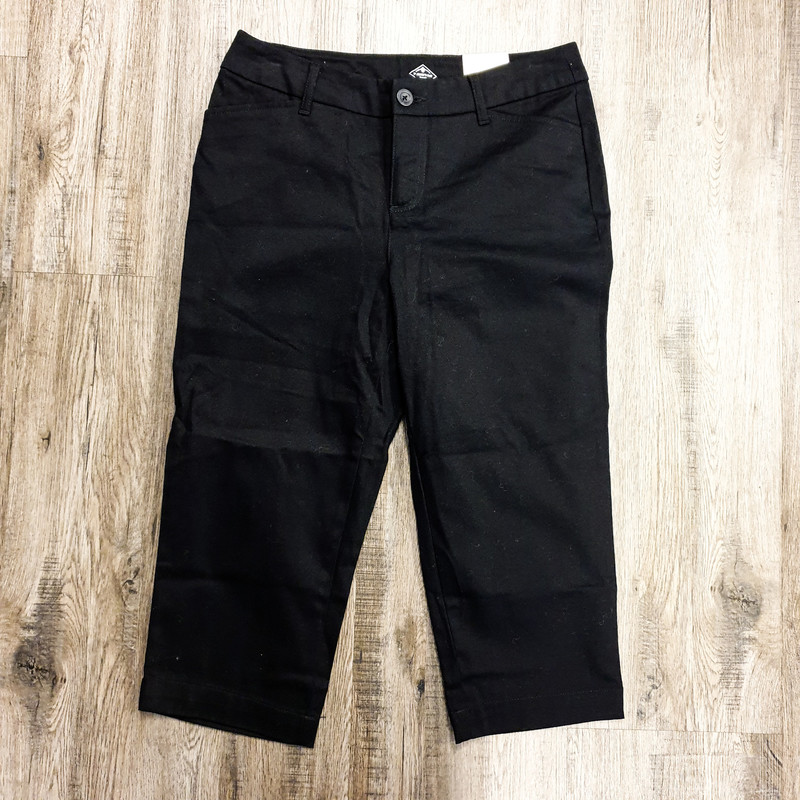 Beautiful St. Johns Bay Pants.<br /> - Brand new<br /> - Black color<br /> - Real front and back pockets<br /> - Mid-rise<br /> - Waist circumference: 31 in.<br /> - Length: 27.5 in.<br /> - Size Small/4<br /> <br /> * Please note that these measurements and pictures are for reference only and may vary slightly from the original.