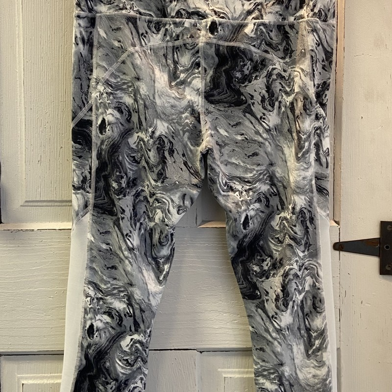 Gry/wht Pattern Legging<br /> Gry/wht<br /> Size: Large