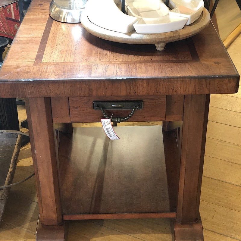 Somer accent table, Size: 24x27x24