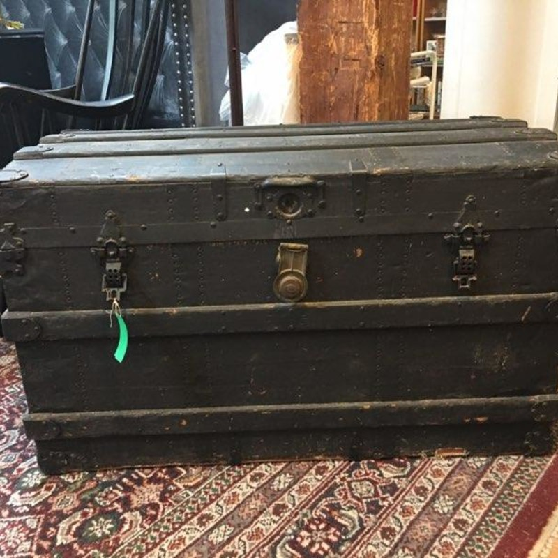 Antique Trunk, Size: 19x22x38
