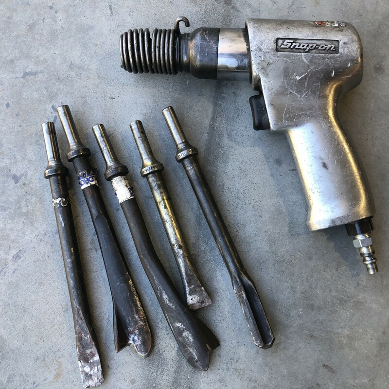 Snap-on PH2045 Air Hammer & 5 Chisels<br /> <br /> *MADE IN USA*