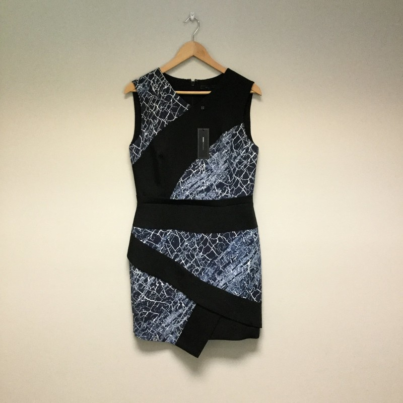 BCBG Shift Dress NWT<br /> Size 8<br /> Black/Blue/White<br /> $67.00