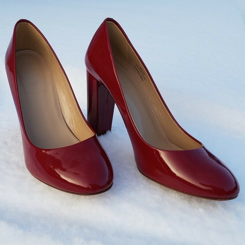 "J CREW PUMP<br /> PLUM RED<br /> <br /> SIZE 9.5<br /> LIGHTLY WORN<br /> 4"" HEEL"