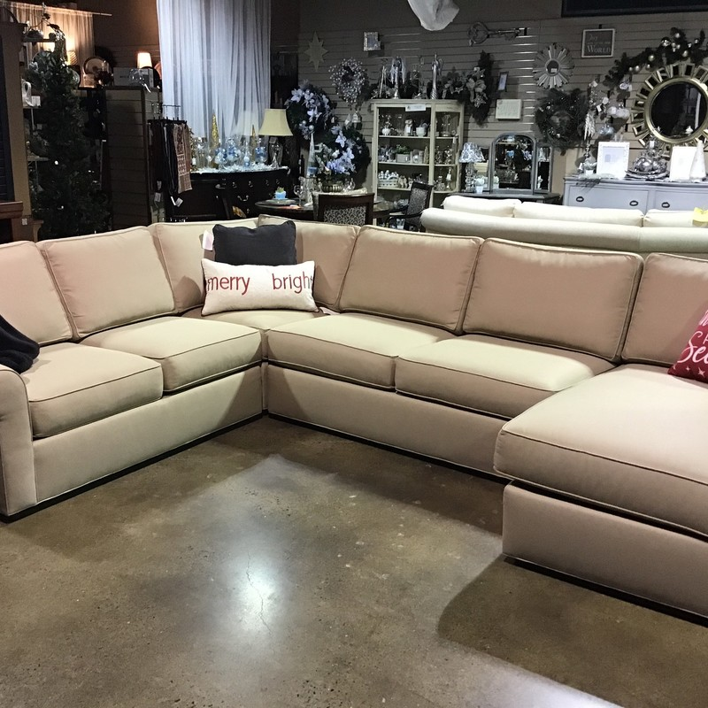 Sectional W/Chaise.