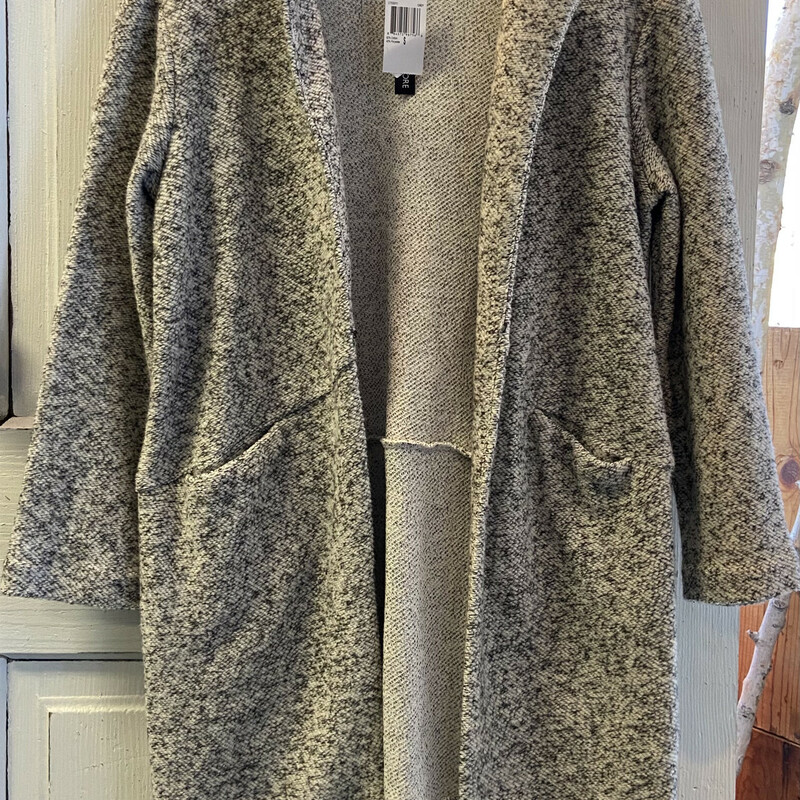 NWT Gry/crm Heather Cardi.