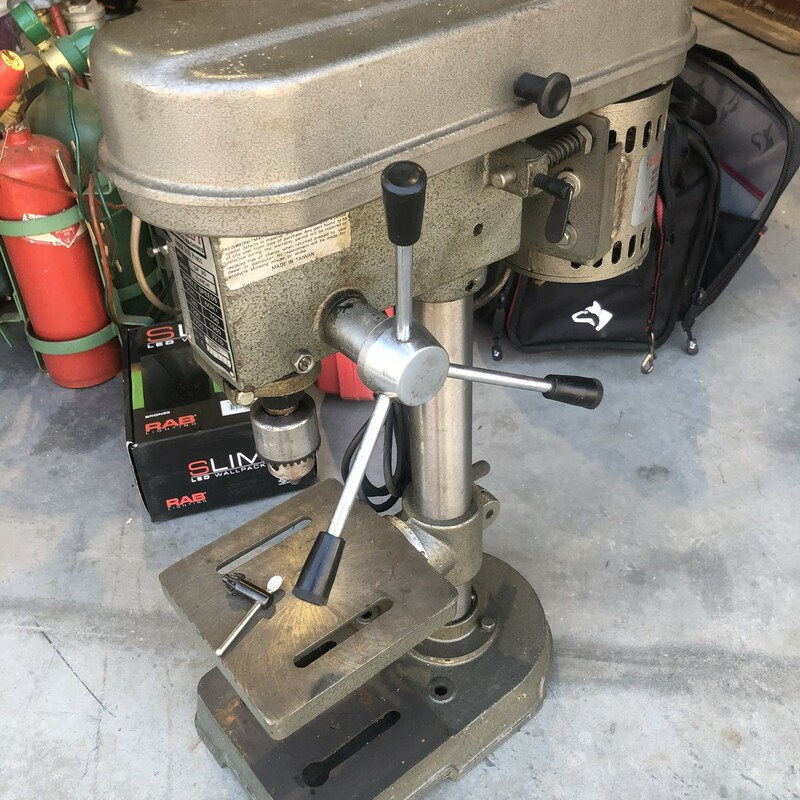 "Duracraft SP-30 1/2"" 6-Speed Bench Top Drill Press"