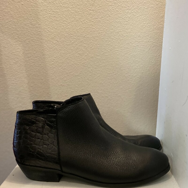 Blak Leather Ankle Bootie<br /> Black,<br /> Size: 10 Re $140