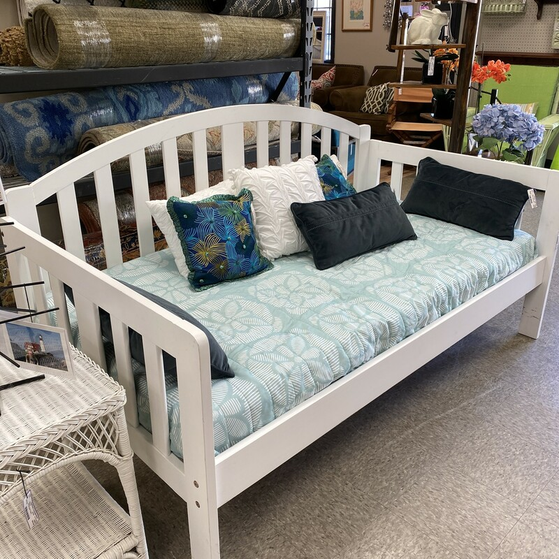 Innovation Cottage Daybed.