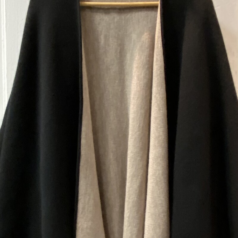 Blk/Tan Reversible Cape.
