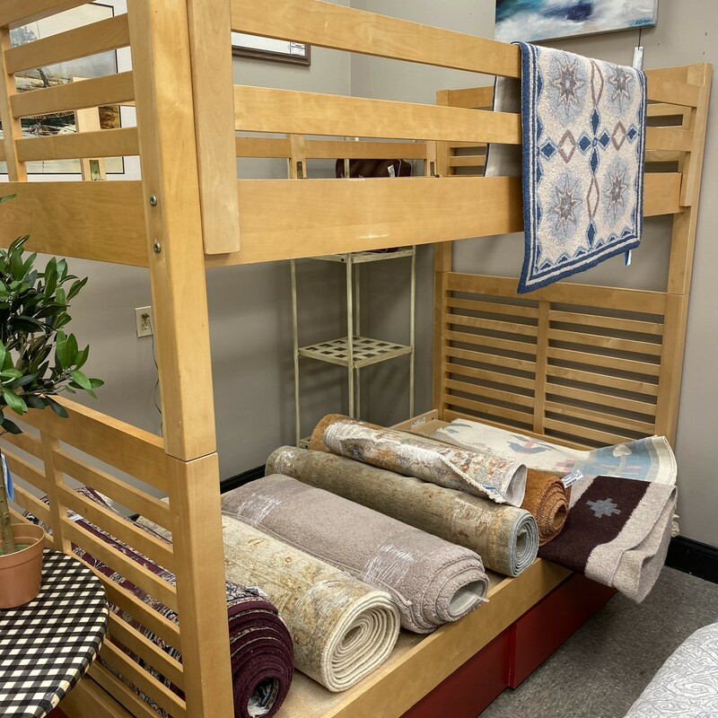 Twin Bunkbed W/Ladder.