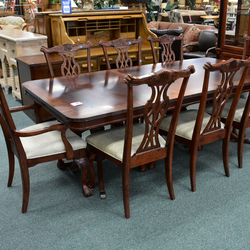 Chip N Dale Style Dining Table Mahogany Finish With High Quality Crotch Veneer Top