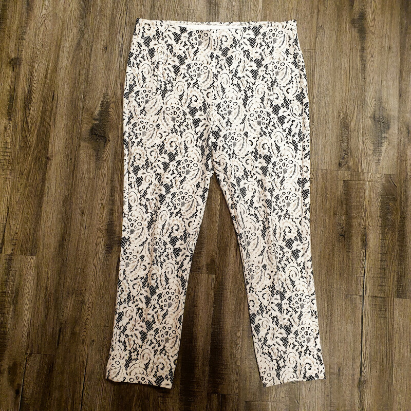 Chicos Leggings Lace.