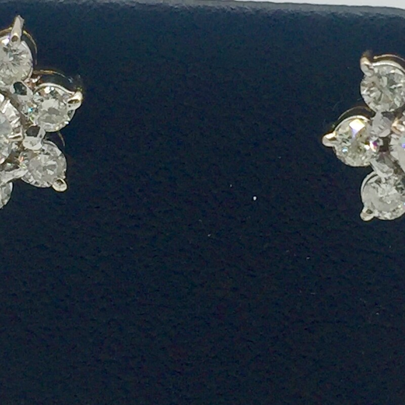 14KT YELLOW GOLD<br /> WEIGHT 2.5DWT<br /> APX. 1 3/8CTTW ROUND DIAMOND FLOWER SHAPE DIAMOND STUD EARRINGS