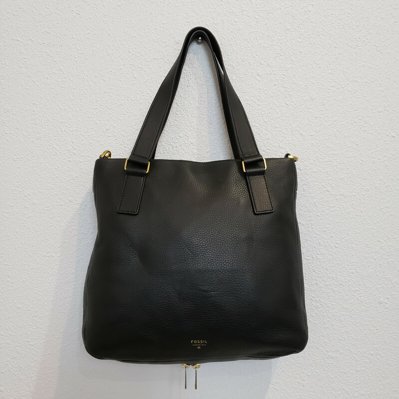 Fossil Leather<br /> Black<br /> Crossbody Bag<br /> NWT!<br /> Retail $218