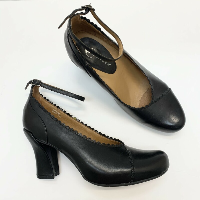 Earthies Leather Pumps<br /> Scalloped edges<br /> Ankle strap<br /> Black<br /> Size: 9.5