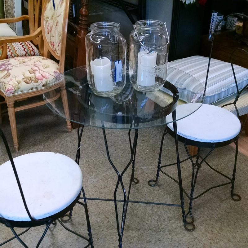 2 Chair French Cafe Set<br /> 26R x 29H