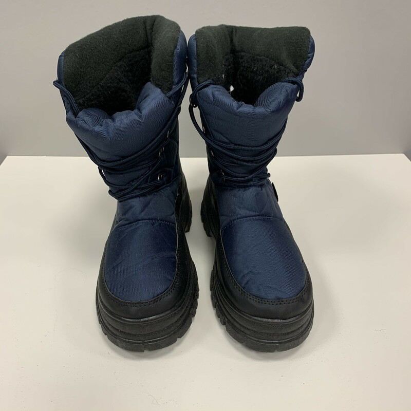 Size 9 Snow Boots.