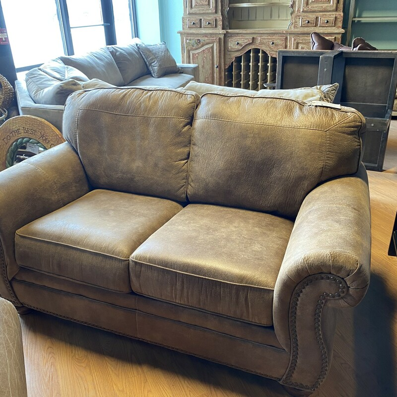 "Loveseat Leather Rustic, Brown<br /> Size: 66"" x 38"" x 31""  (l/d/h)"