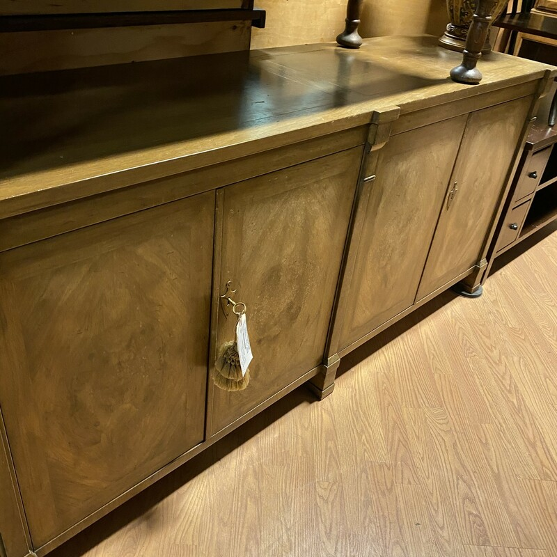 "Sideboard Vintage 4 Door, Wood, Keys<br /> Sizes: 70"" x 32"" x 19.5""  (l/h/d)"