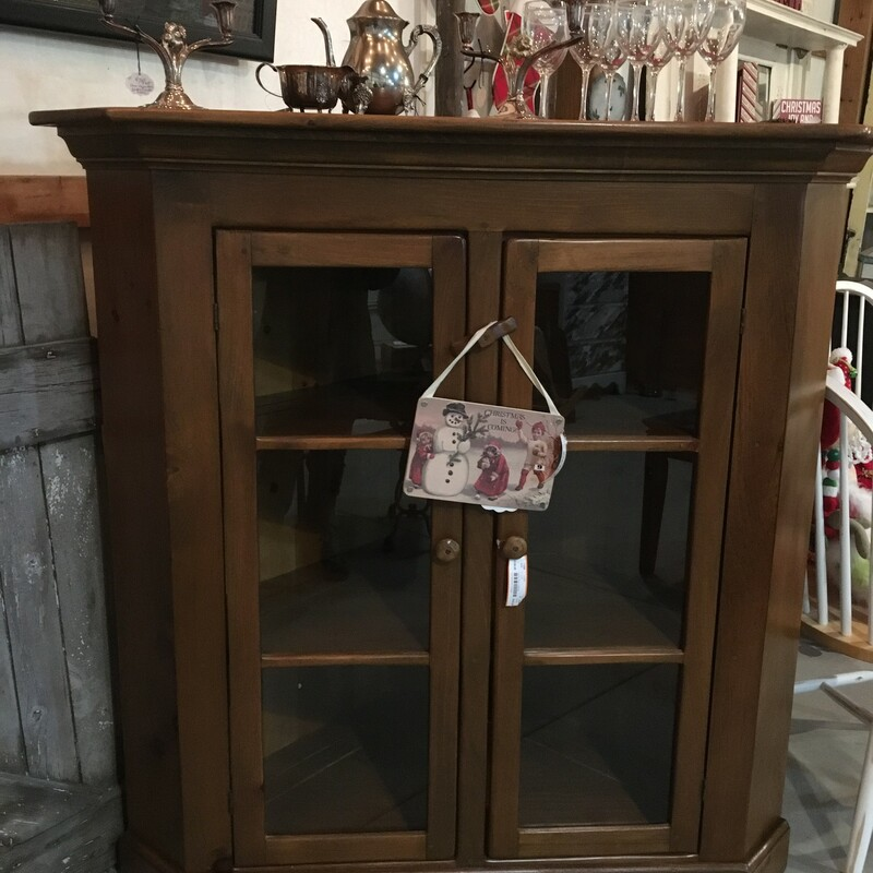 Corner Pine Cabinet, Amish made<br /> <br /> 51 wide at widest point 31 deep 51 high. inside is 21 deep