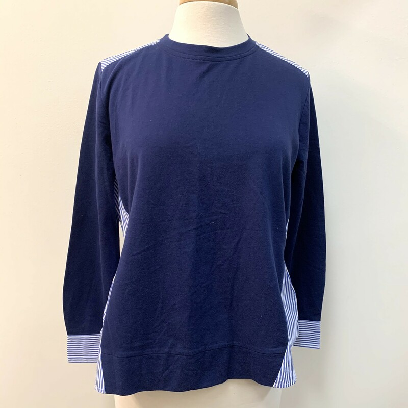 Vineyard Vines Top<br /> 100% Cotton<br /> Navy with Light blue & White Stripes<br /> Tie Back<br /> Size: Medium