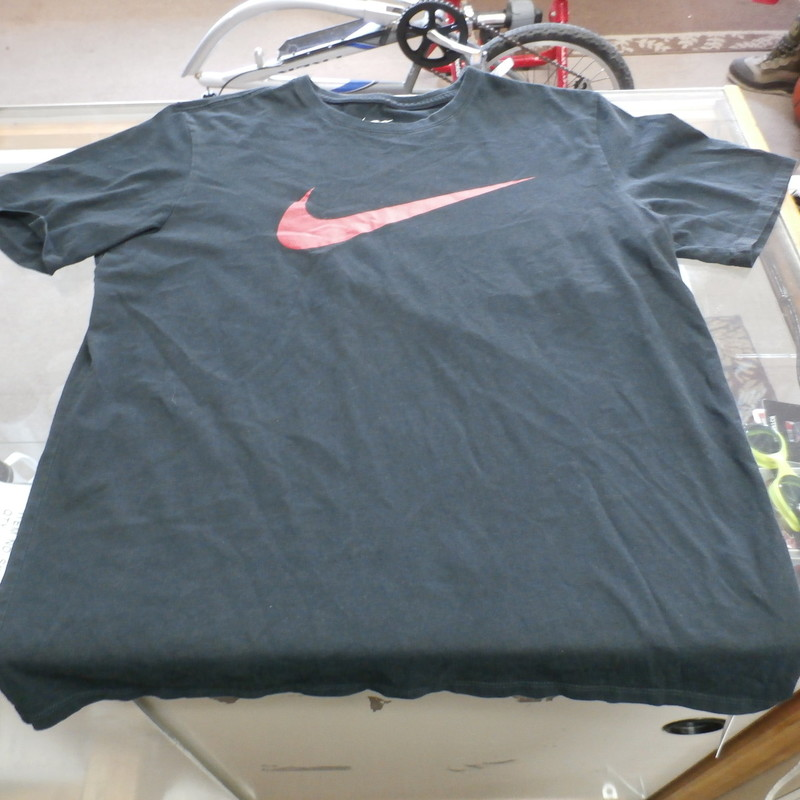 "The Nike Tee Men's Athletic Cut Short Sleeve Shirt Size Large Black Cotton#25366<br /> Rating:   (see below) 3 - Good Condition<br /> Team: n/a<br /> Player: n/a<br /> Brand: Nike<br /> Size: Large - Men's(Measured Flat: Across chest 20"", length 26"")<br /> Measured flat: arm pit to arm pit; top of shoulder to the hem<br /> Color: Black<br /> Style: short sleeve screen pressed shirt; Athletic Cut<br /> Material: 100% Cotton<br /> Condition: - Good Condition - wrinkled; material looks and feels good; light pilling and fuzz; normal signs of wear; no stains rips or holes<br /> Item #: 25366<br /> Shipping: FREE"