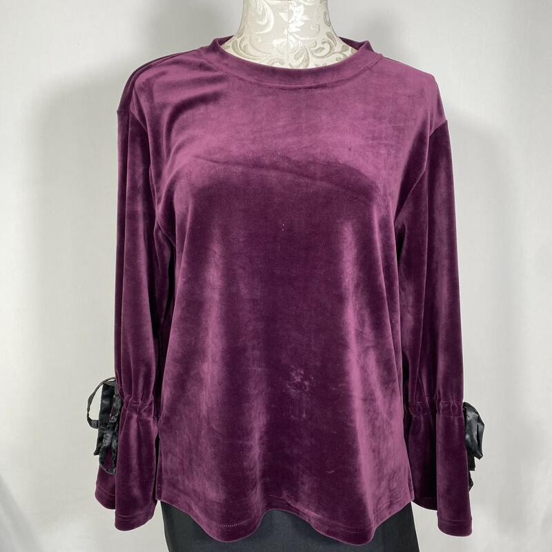 Philosophy Fuzzy Top, Purple, Size: Small bows on sleeves long sleeve 93% polyester 7% spandex