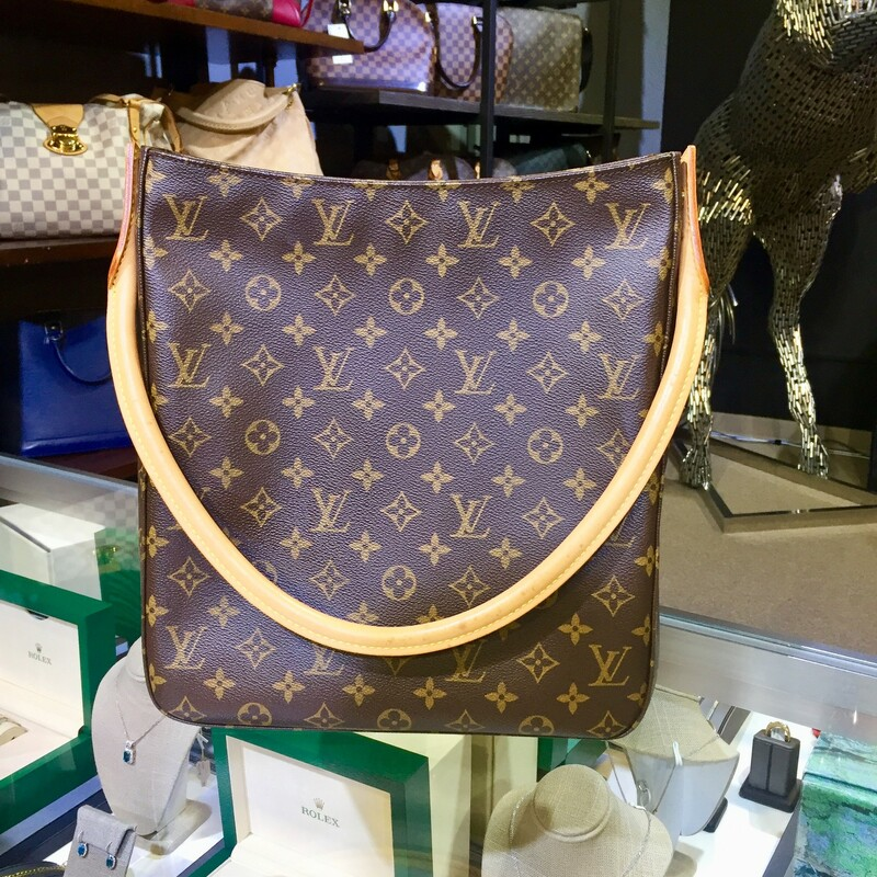 LV Looping Monogram.