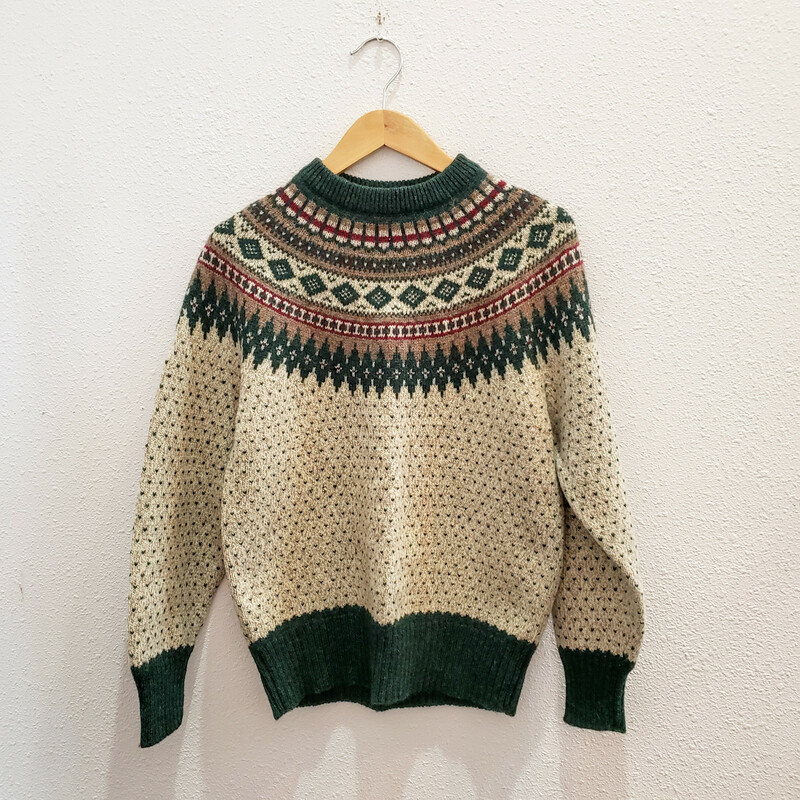 Woolrich Vintage<br /> Green and Tan Sweater<br /> Size: Medium (Mens S)