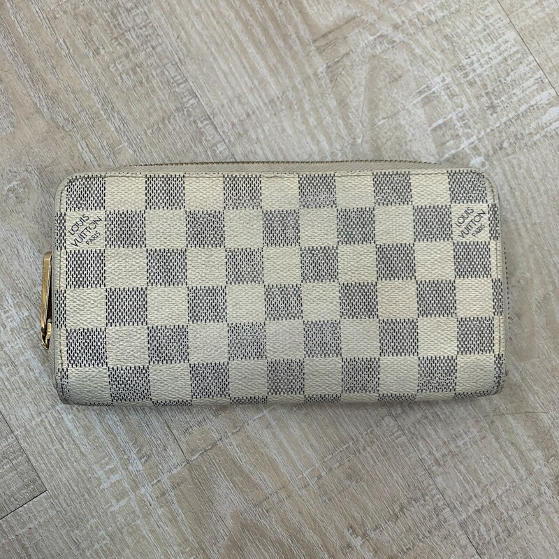 Louis Vuitton Damier Azur.
