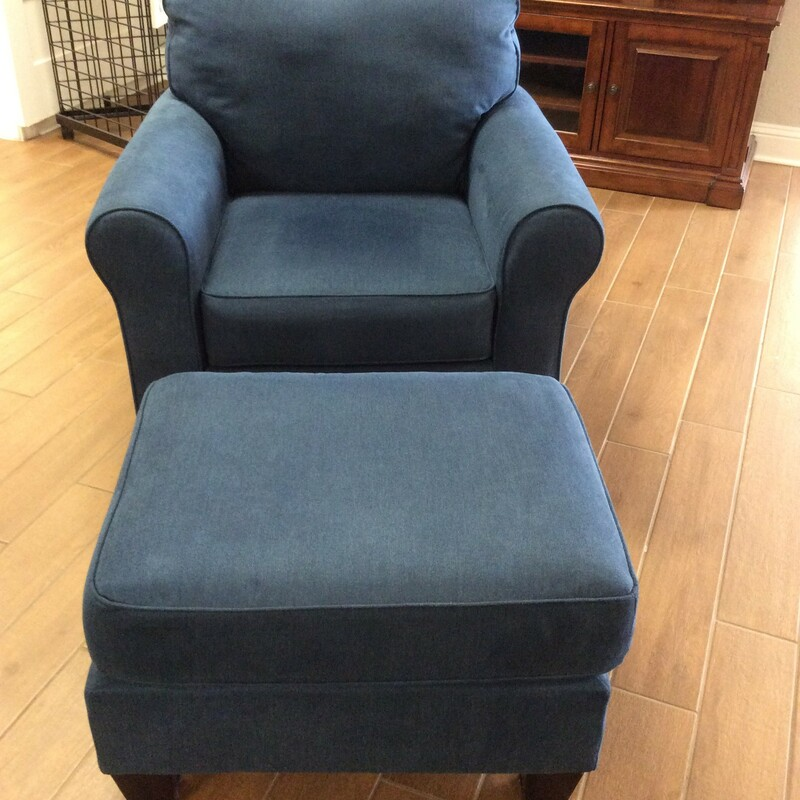 ASHLEY Chair/Ottoman.