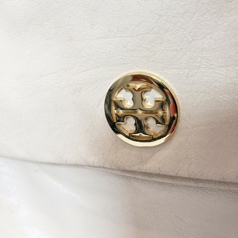 Tory Burch<br /> Winter White<br /> Leather Folover<br /> Can be worn 2 ways!