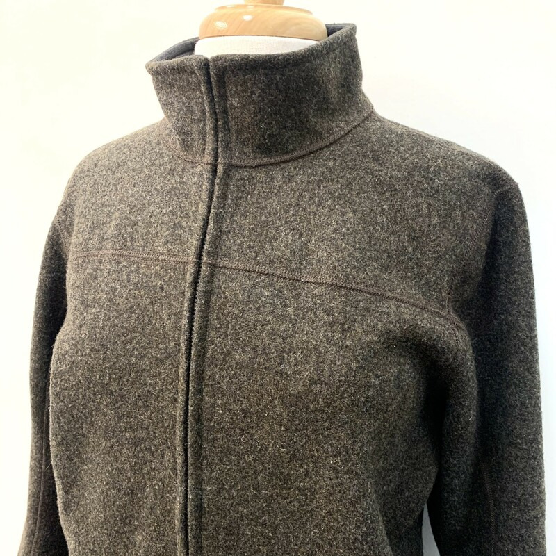 IBEX zip Jacket<br /> Stone colored New Zealand Merino Wool<br /> Size: Large