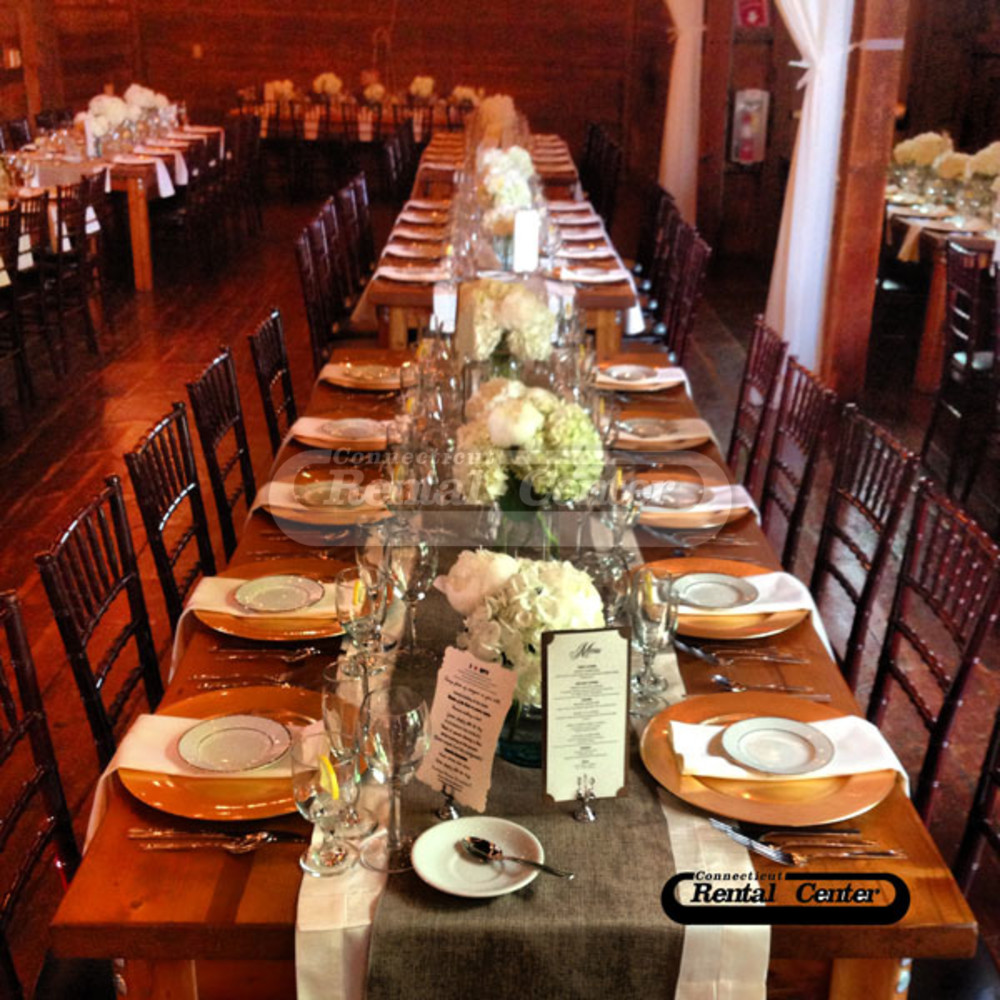 Ct Rental S Farm Tables And Chiavari Chairs At The Barns At Wesleyan